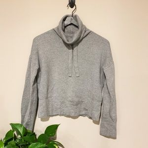Universal Thread Sweatshirt 🌿
